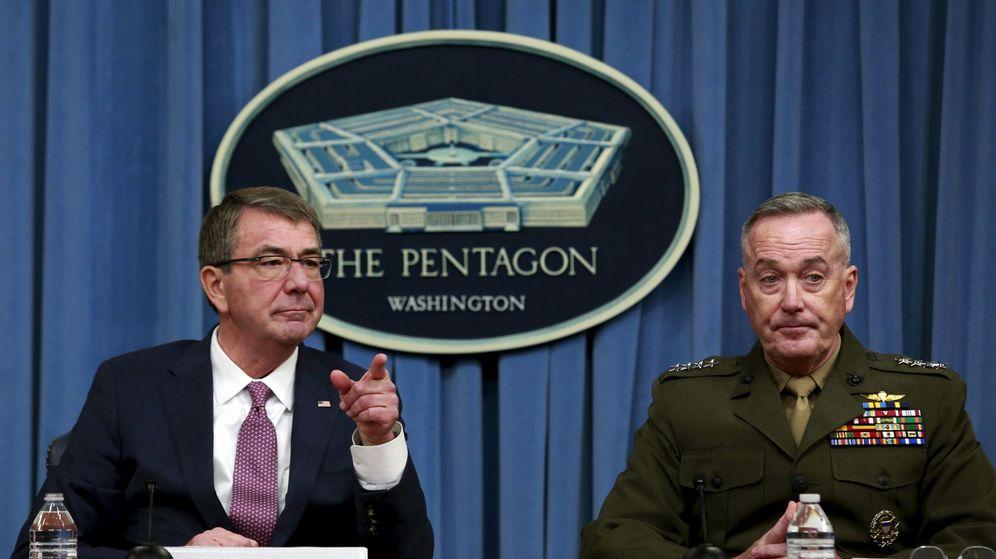 Foto: El secretario de defensa Ashton Carter (I), básico en la nueva iniciativa (Reuters).