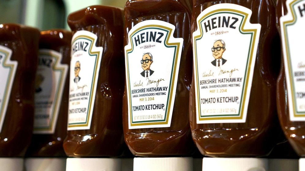 Foto: Botellas conmemorativas de ketchup Heinz (Reuters)