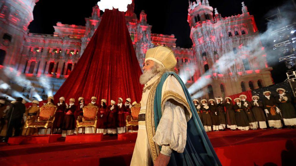 Foto: El rey Melchor en la cabalgata de reyes de Madrid. (EFE)