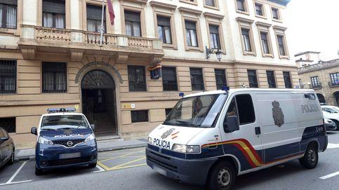 Estrella su coche en Oviedo al tratar de huir de su marido, que la tenía secuestrada