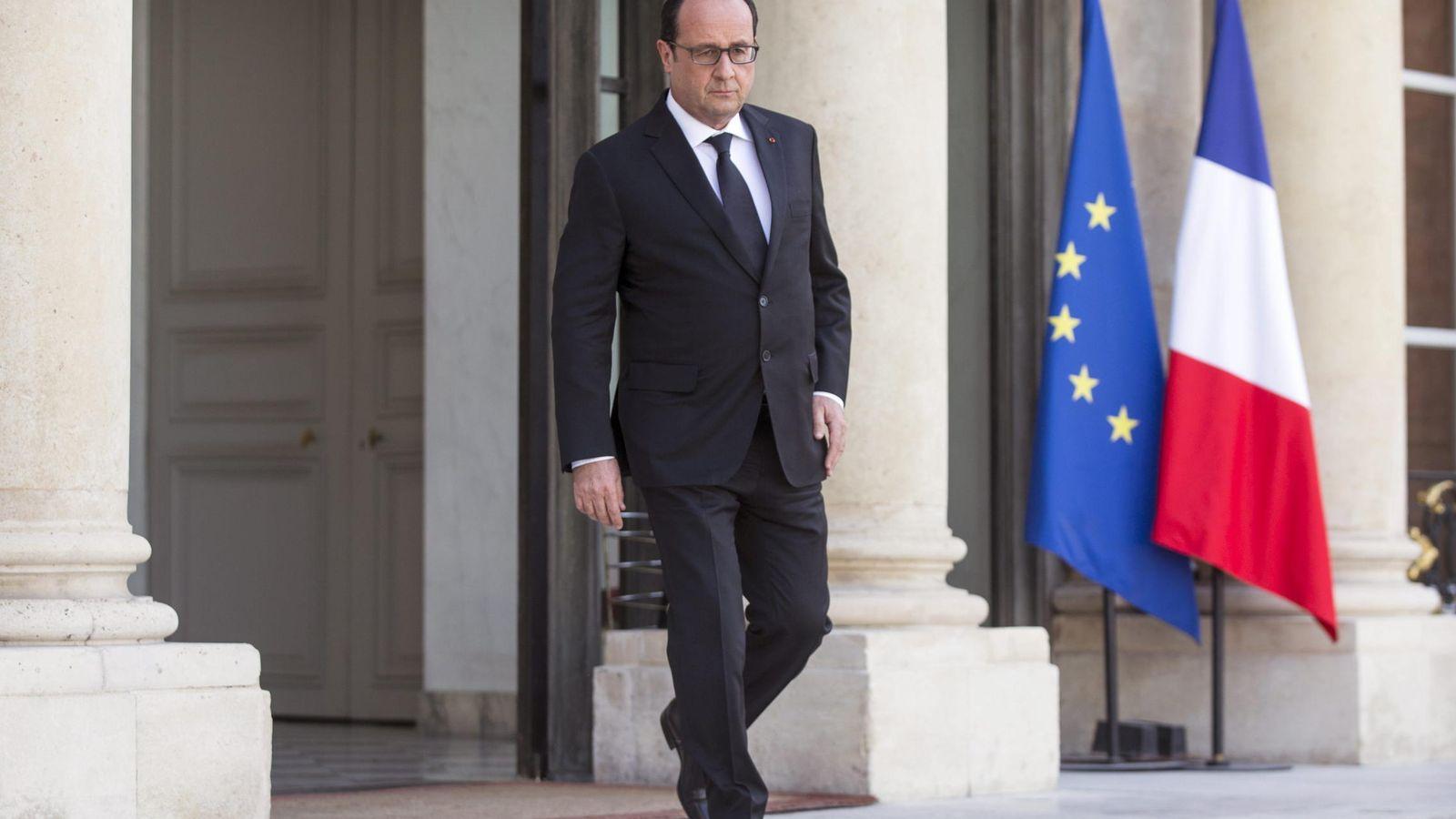 Foto: El presidente francés François Hollande se dispone a ofrecer una rueda de prensa. (EFE)