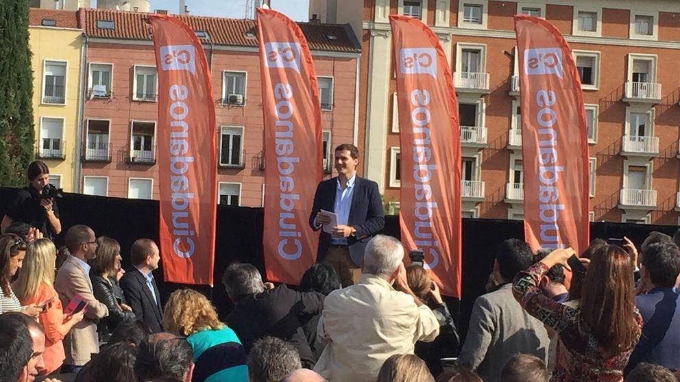 Baño de masas de Rivera: Si los españoles quieren cambio, que voten C's