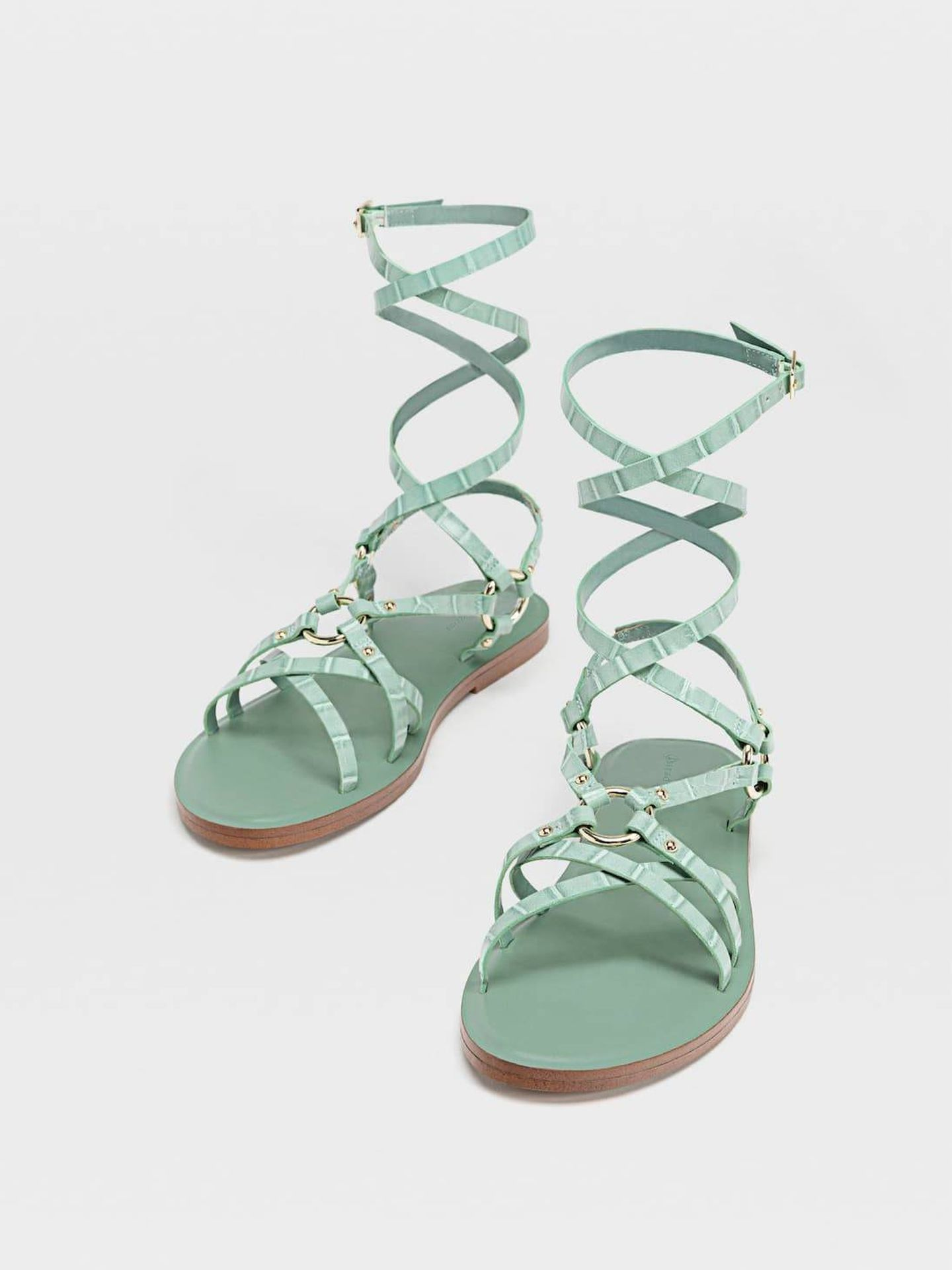 Las nuevas sandalias de Stradivarius. (Cortesía)