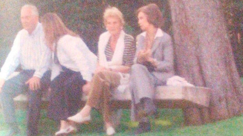 Juan Mari Urdangarin, su hija mayor, Ana, Claire Liebaert y la reina Sofía. (Vanitatis)
