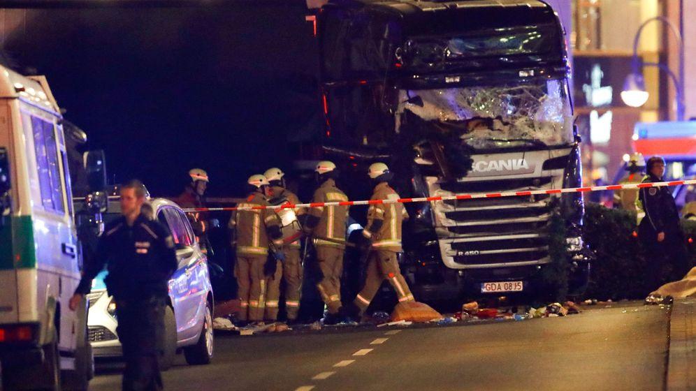 Foto: El camión estrellado en el mercado navideño de Berlín. (Reuters)