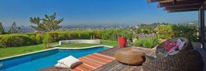 La nueva casa estilo años 60 de Scarlett Johansson