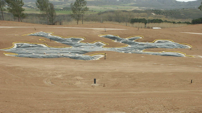 Construcción de alguno de los hoyos del campo en una foto tomada en 2010.