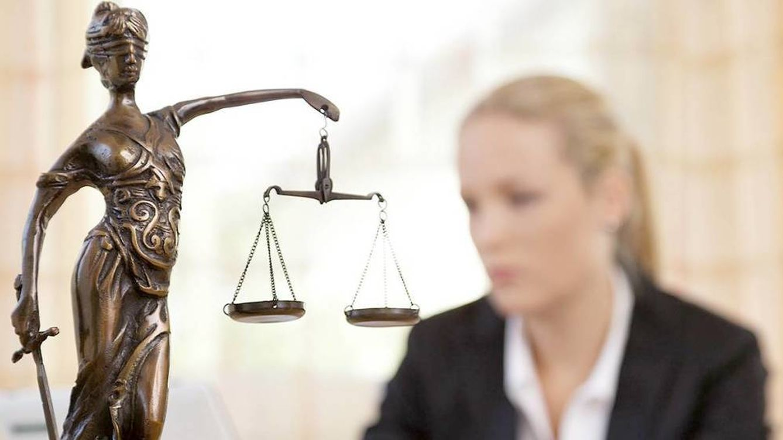 Archivan el caso contra el juez que llamó bicho a una mujer que denunciaba maltrato