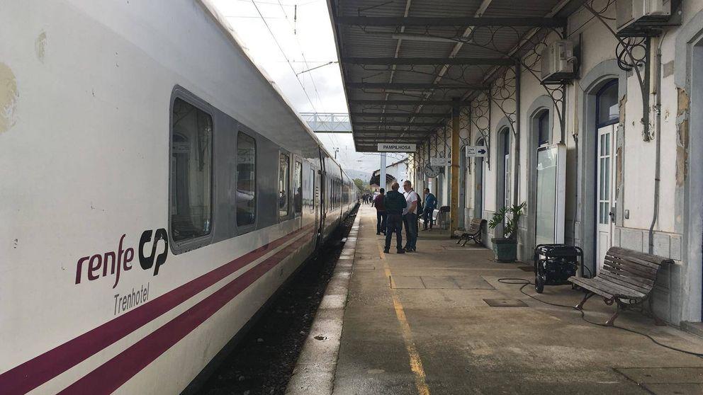 Nos tienen abandonados: un tren de Renfe parado 11 horas por culpa del huracán Leslie