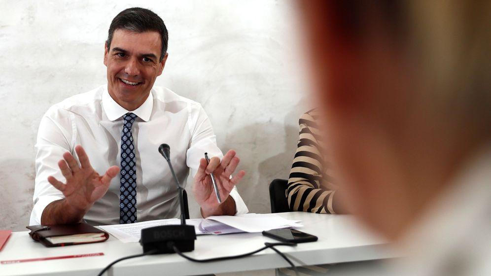 Foto: Pedro Sánchez se reúne con asociaciones de igualdad. (EFE)