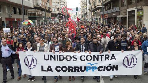 Miles de personas claman en Murcia contra la corrupción