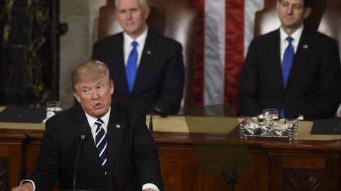 La explicación política de la corbata azul marino de Donald Trump