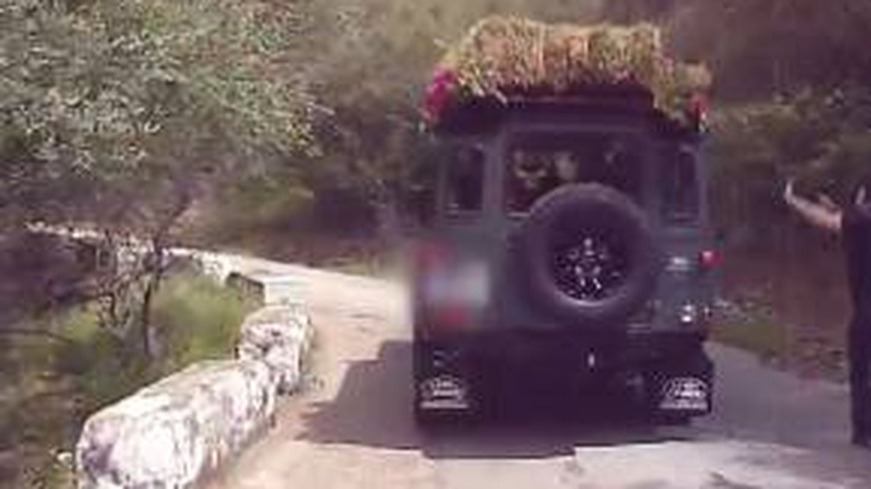 El Land Rover que ha sido utilizado como vehículo nupcial. (Mediaset)