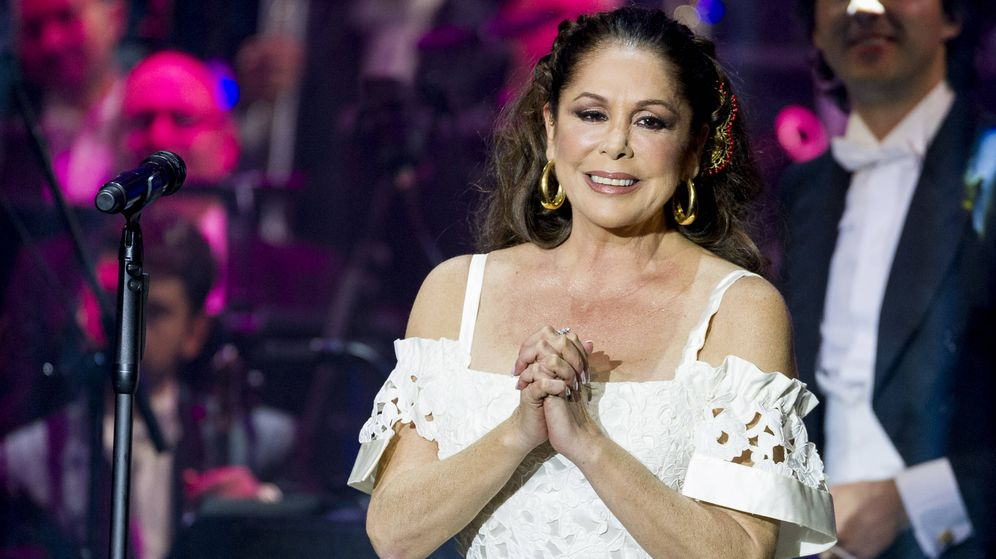 Foto: Isabel Pantoja, durante un concierto en Aranjuez. (Getty)