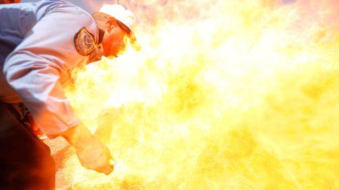 Pink actúa en Perth y quema de cannabis en Hebrón: el día en fotos