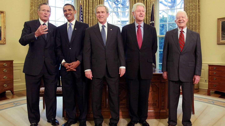 Bush Sr, Obama, Bush Jr, Clinton y Carter, en la Casa Blanca. (Getty)