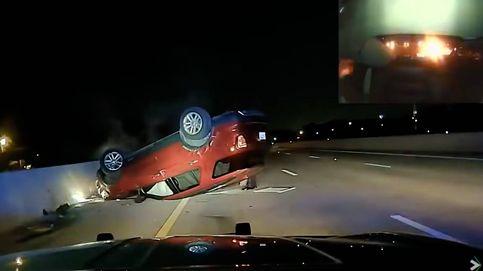 Un policía vuelca el coche de una mujer embarazada porque no se detuvo rápido