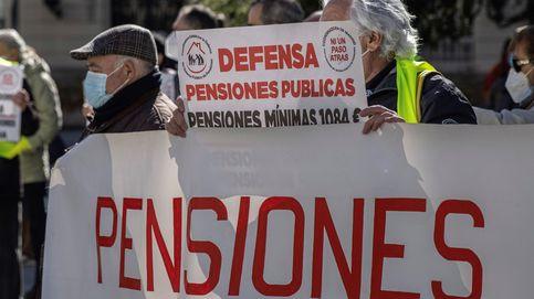 Unos 15.000 manifestantes piden la dimisión de Escrivá por la reforma de las pensiones
