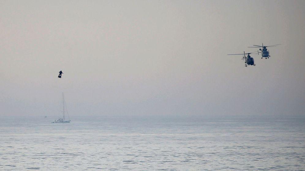Foto: Franky Zapata cruzando el Canal de la Mancha en flyboard