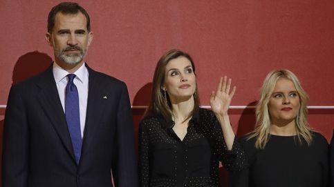 Doña Letizia recupera una de sus prendas (inexplicablemente) olvidadas