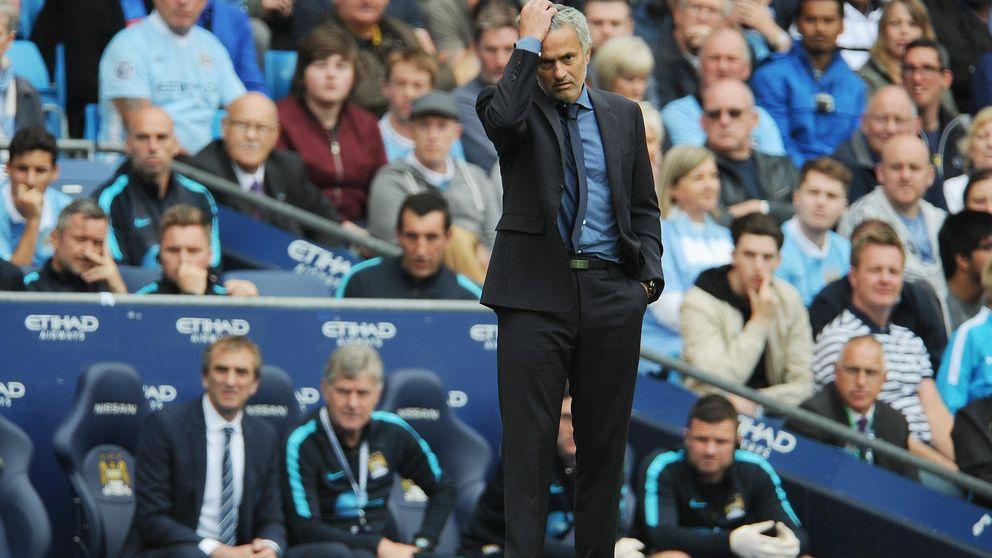 Mourinho culpa a siete jugadores del mal momento que atraviesa el Chelsea