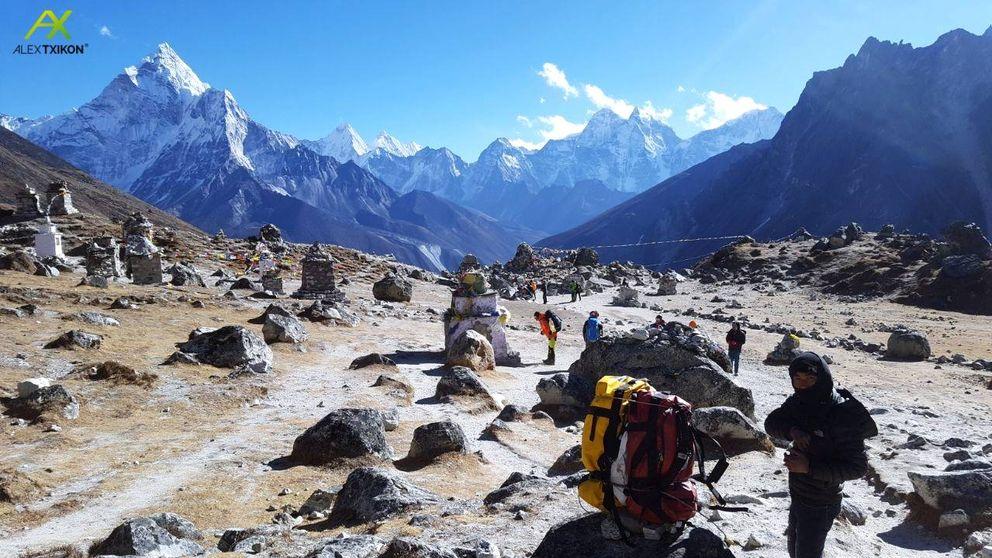 La advertencia del Everest: Por la noche se congelan las antenas, la red wifi...
