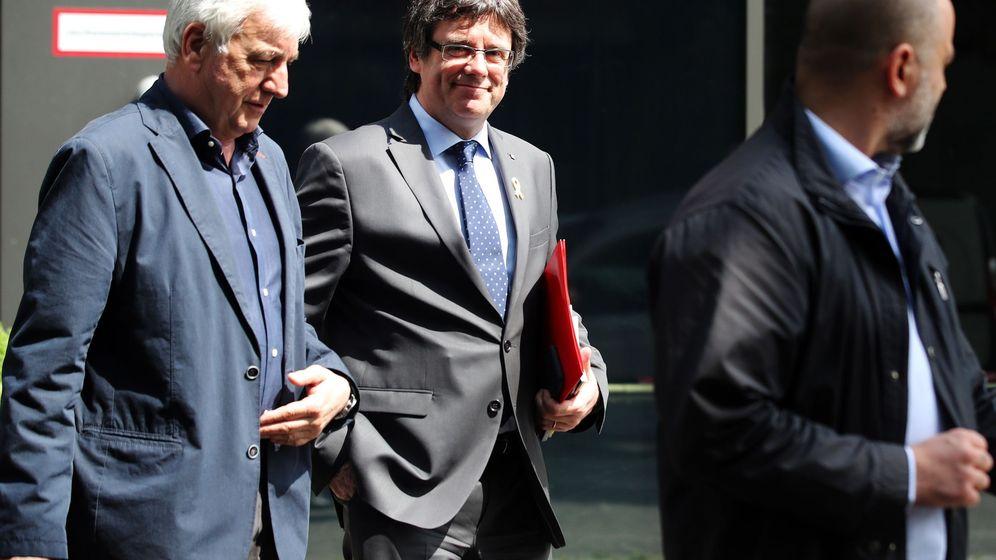 Foto: Carles Puigmento, junto a Josep Maria Matamala, en Berlín. (EFE)