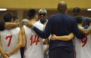 Rodman canta el cumpleaños feliz en Corea del Norte a su amigo Kim Jong-un