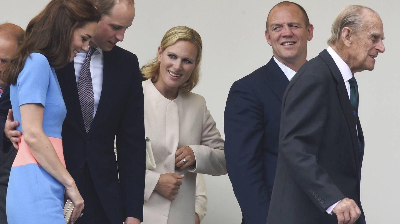 Zara y su marido, con Guillermo y Kate, y su abuelo, el duque de Edimburgo. (Getty)