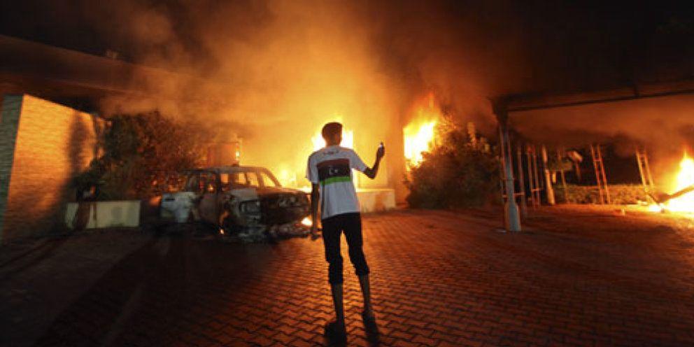 Foto: Radicales libios asaltan el consulado de EEUU y matan al embajador y a otros tres diplomáticos