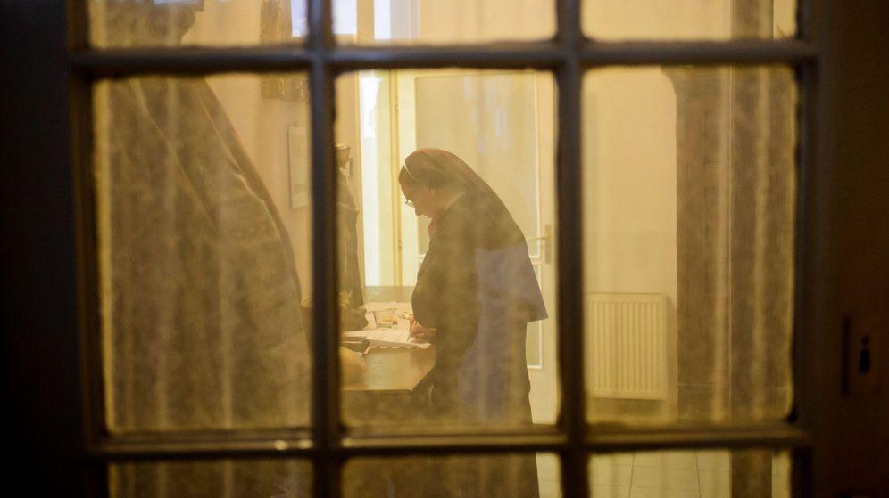 Foto: Las monjas desviaban los fondos del colegio a una cuenta paralela (EFE/Peter Komka)
