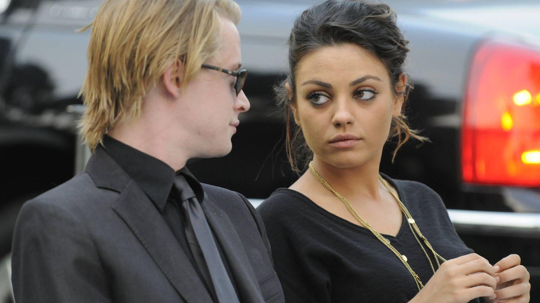 Culkin y Kunis en el funeral de Michael Jackson. (Getty)
