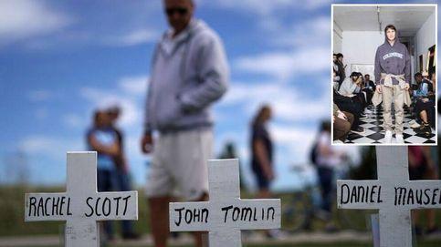 ¿Polémica u homenaje? Crean sudaderas con agujeros emulando los tiroteos en EE.UU.