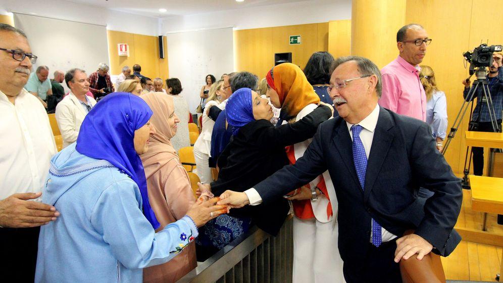Foto: Juan Vivas (d), presidente de Ceuta. (EFE)