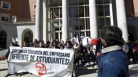 Menos títulos, decanos en 'shock': la letra pequeña de la fusión de facultades