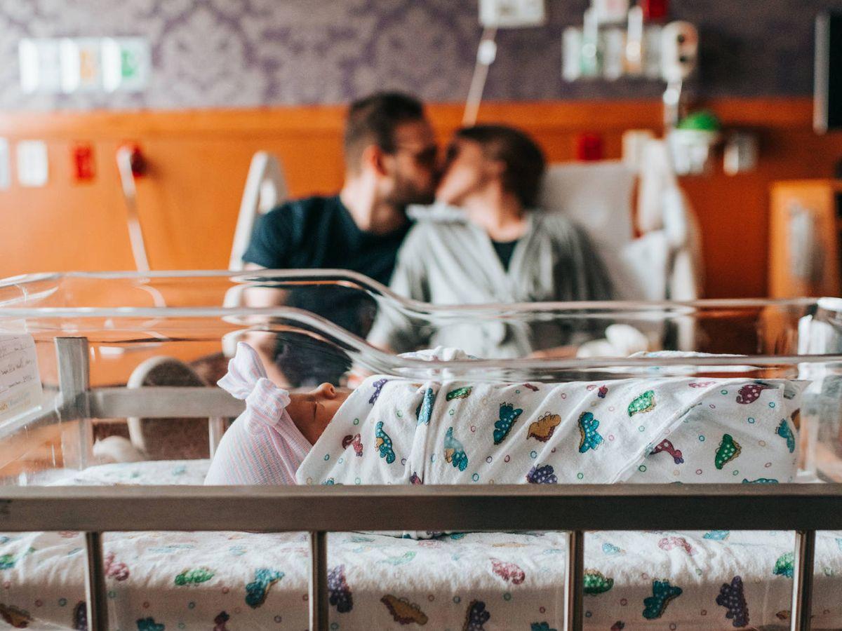 Foto: Elegir la cuna ideal para el bebé es la primera tarea de todos los padres (Jessica Rockowitz para Unsplash)