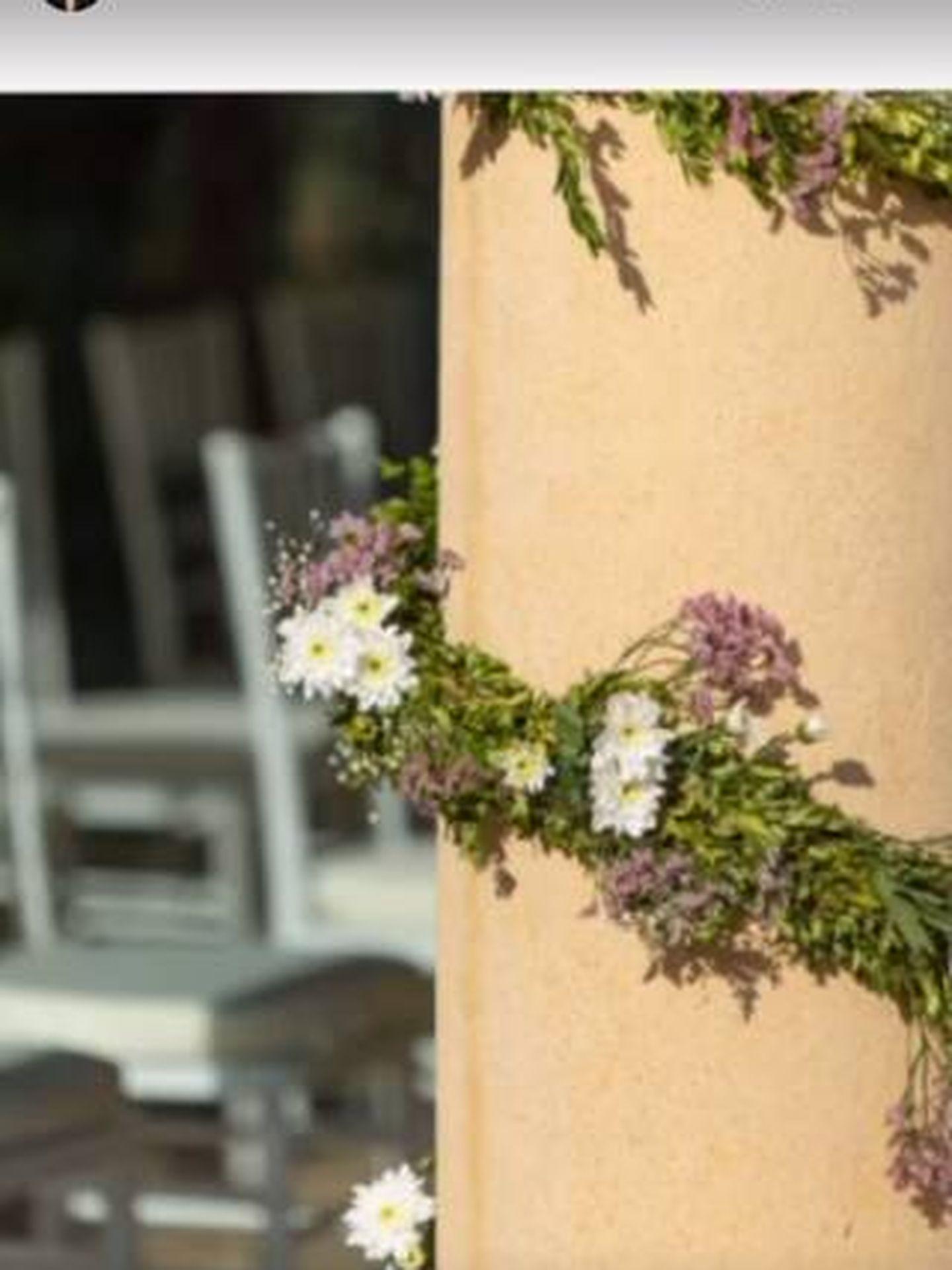Detalles del adorno floral. (IG)