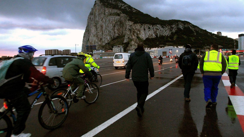 Imagen de la entrada a Gibraltar desde el paso con España (EFE)
