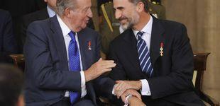 Post de La foto más incómoda del verano: Felipe VI y Juan Carlos I juntos en la Copa del Rey