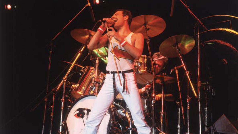 Freddy Mercury en una de sus actuaciones con Queen (Getty Images).