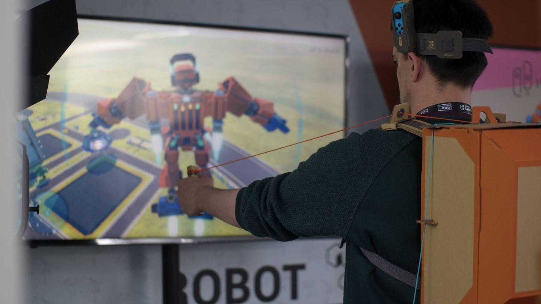 Maneja un robot con la mochila de Labo. (M.Mcloughlin)