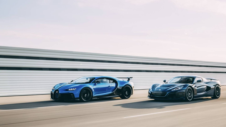 Bugatti Chiron (izquierda) y Rimac Nevera serán relevados por sendos superdeportivos eléctricos, y más adelante empezarán a llegar modelos de Bugatto desarrollados conjuntamente.