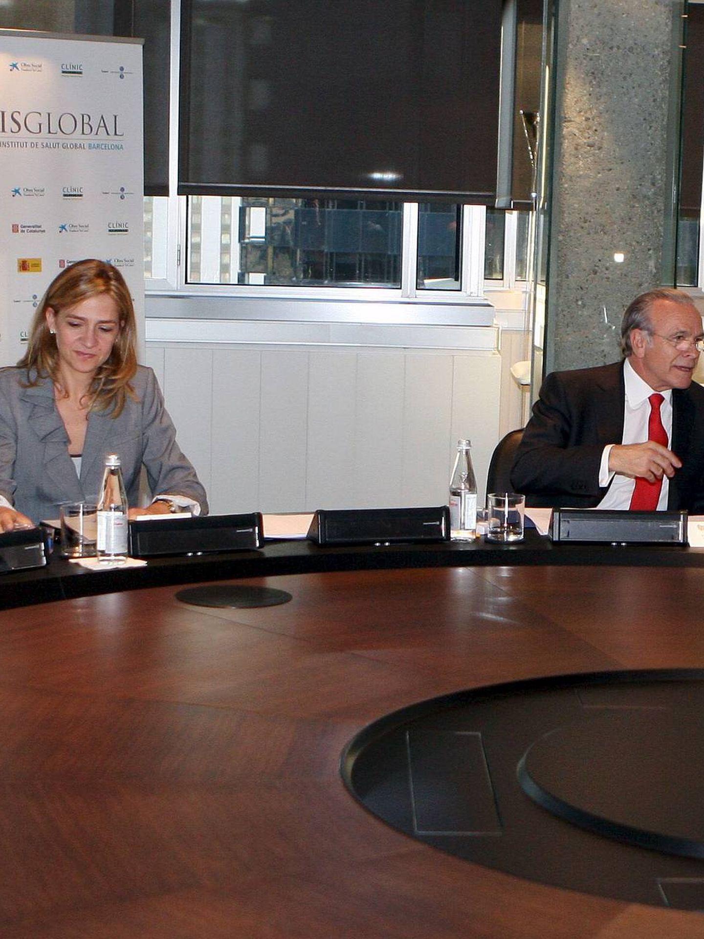 La infanta Cristina, en una reunión con Isidre Fainé. (EFE)