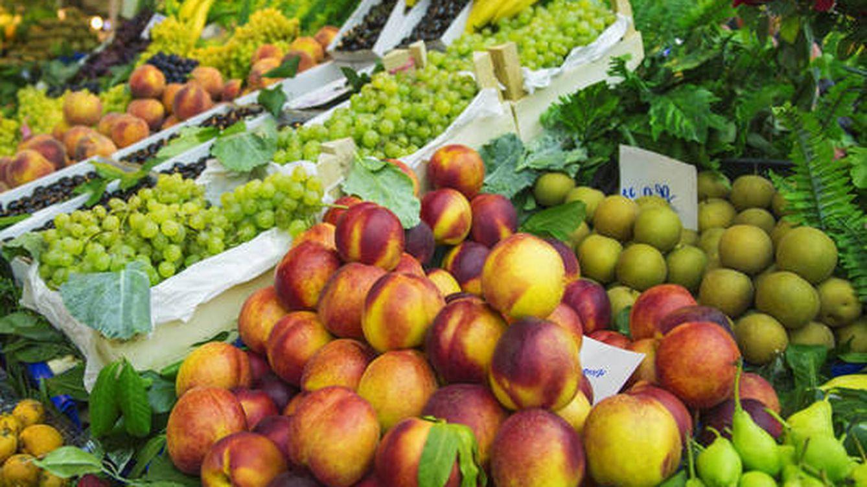 La cantidad exacta de frutas y verduras que debes tomar a diario para vivir más años