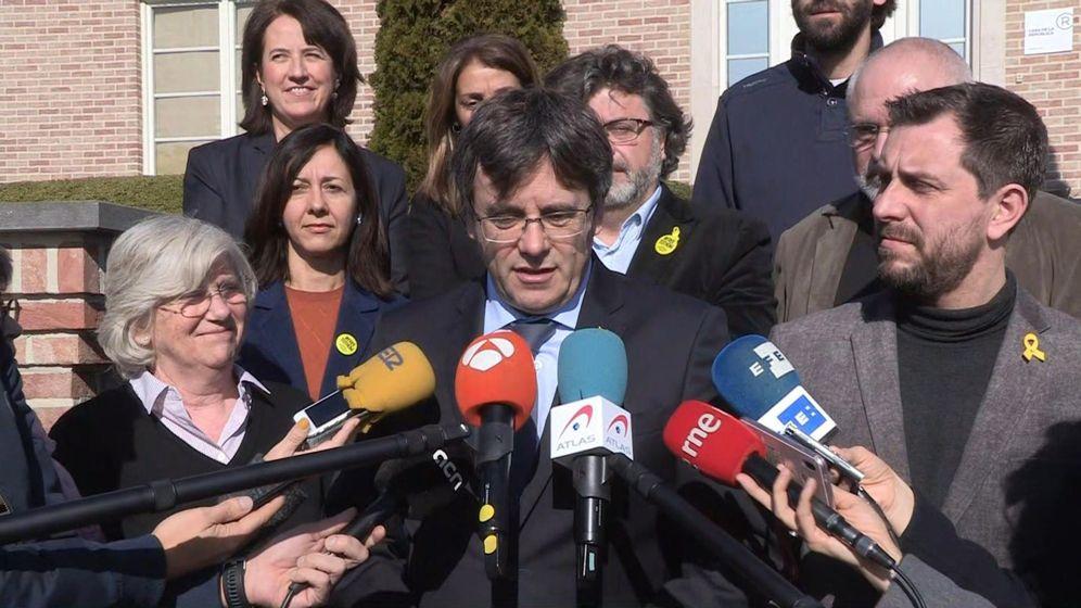 Foto: El expresidente catalán, Carles Puigdemont, atendiendo a la prensa en Zúrich esta semana. (EFE)