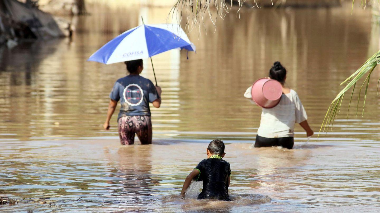 Las graves inundaciones en Honduras dispararon los casos de coronavirus. (EFE)