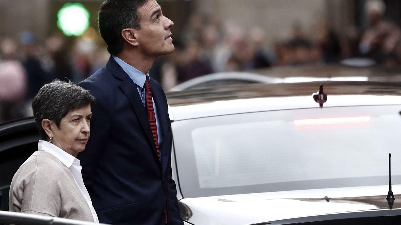 Teresa Cunillera con Pedro Sánchez en Barcelona el pasado 21 de octubre. (EFE)