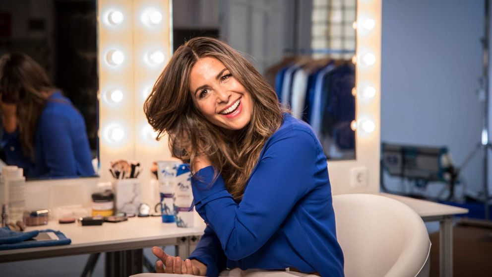El secreto de la sonrisa perfecta de Nuria Roca (que comparte con don Juan Carlos)
