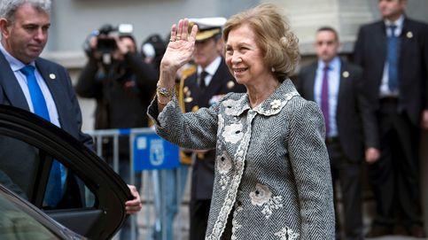 La reina Sofía venera al Cristo de Medinaceli, pero no lo toca por el coronavirus