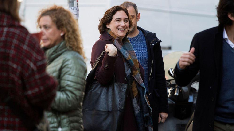Foto: La alcaldesa de Barcelona, Ada Colau, tras advertir que no acudiría a la recepción al Rey. (EFE)